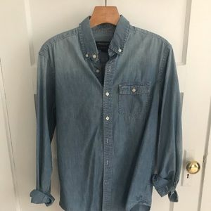 Men's American Eagle shirt. Size Small